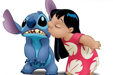 Tanda Persahabatan Sejati, Hadiahkan Sahabat Anda Salah Satu dari 15+ Produk Tokoh Karakter Stitch Berikut Ini