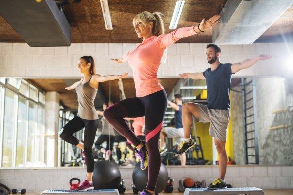 Mau ke Gym Tapi Bingung Pakai Baju Apa? Yuk Cek 8+ Pilihan Baju Senam Aerobik Terbaru 2018