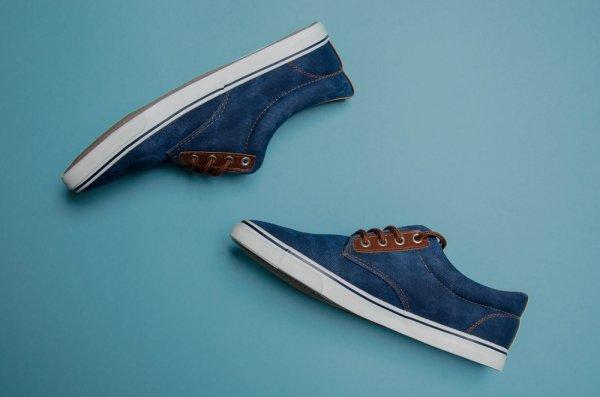 Ingin Tampil Modis dengan Sepatu Tomkins  Ini dia 10 Model Tomkins Pria dan  Wanita Paling Ngetop! 8c472039c9