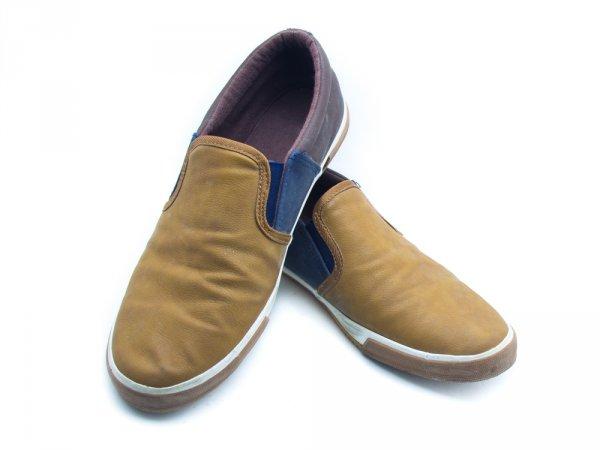 Keren dengan 10 Rekomendasi Sepatu Slip On Pria dan Apa yang Harus  Dihindari untuk Tampil Oke ... 529357d3ab