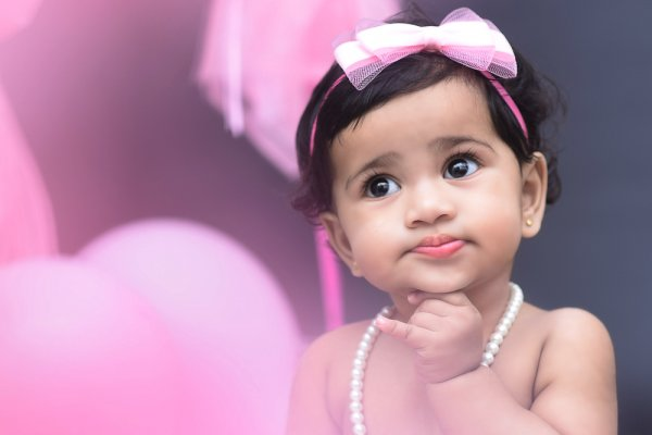 Gift Ideas for 1 Year Old Baby Girl in India That Parents Will Welcome, and Tips on How to Be Considerate Through Gifts (2019)