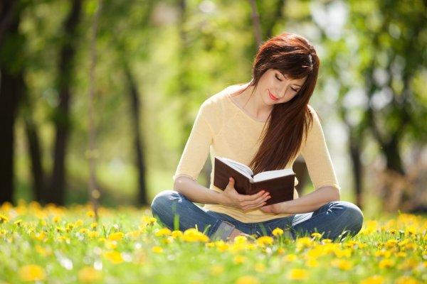 10 Rekomendasi Buku Filsafat untuk Anda yang Ingin Memperdalam Ilmu Filsafat