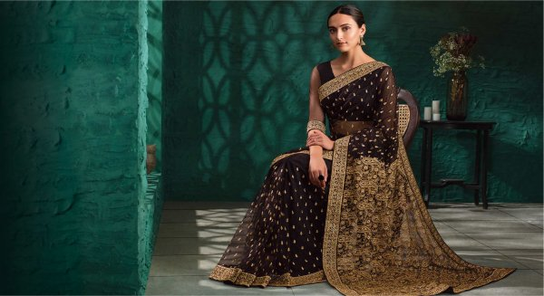 Top 10 Saree Picks for the Summer of 2019 to Turn You Into a Gorgeous Ethnic Diva! Also Read Our Tips on Achieving the Perfect Saree Look