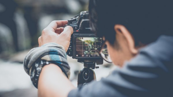 10 Rekomendasi Aksesori Kamera untuk Menunjang Aktivitas Fotografi (2021)