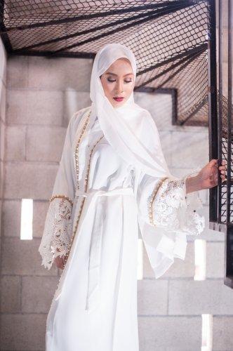 Tampil Anggun dan Modis dengan 9 Inspirasi Gaun Muslimah