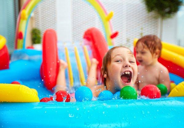 Bebaskan Anak Bermain Air dengan 10 Rekomendasi Mainan Kolam Renang yang Aman dan Menarik Pilihan BP-Guide!