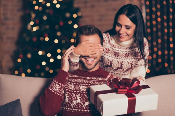 Let Jubilation and Exuberance Be the Theme of the Occasion by Planning an Amazing Surprise for Your Boyfriend This Christmas: The 10 Best Gifts to Gift Your Boyfriend for Christmas in 2019