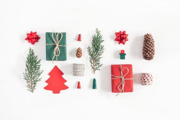Hiasi Indahnya Hari Natalmu dengan 10 Rekomendasi Perlengkapan Cantik Berikut