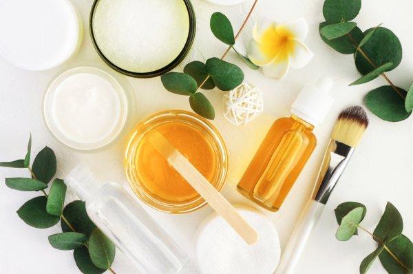 Untuk Kulit yang Lebih Sehat dan Bersih, Yuk, Lakukan Double Cleansing dengan 10 Rekomendasi Cleansing Oil Terbaik Ini