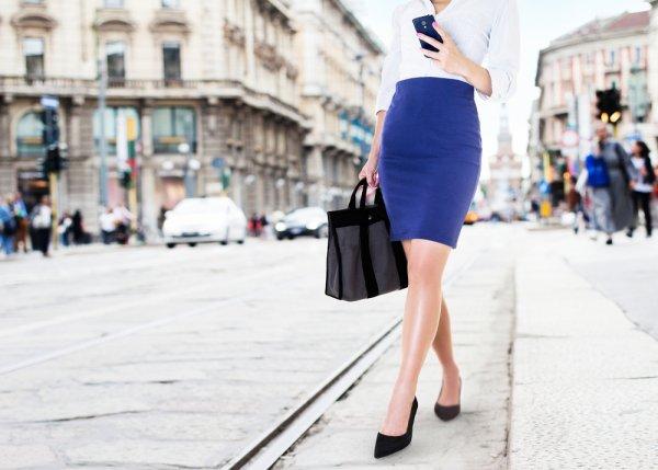 Para Office Lady Wajib Memiliki 10 Rekomendasi Rok Kerja Wanita Terbaru untuk Memaksimalkan Performa Kerja