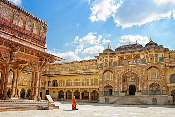What to Buy in Jaipur: Pick Up These 10 Mesmerising Things from the Pink City Before You Head Back Home (2019)!