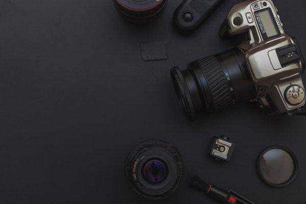 Ciptakan Hasil Foto Keren dengan 10 Rekomendasi Aksesori Kamera Berikut Ini (2019)