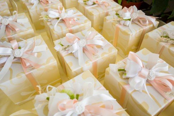 Mau Kado Murah Tapi Kelihatan Mahal? Inilah 7+ Pilihan Kado Pernikahan yang Bisa Kamu Berikan Untuk Pengantin Baru