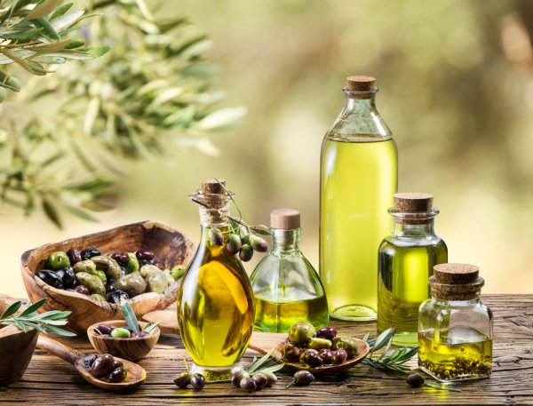 Is Olive Oil Really the Answer to All Our Health Problems(2020)? Is It a Myth That Olive Oil Reduces Cholesterol? Find Out Here Today!