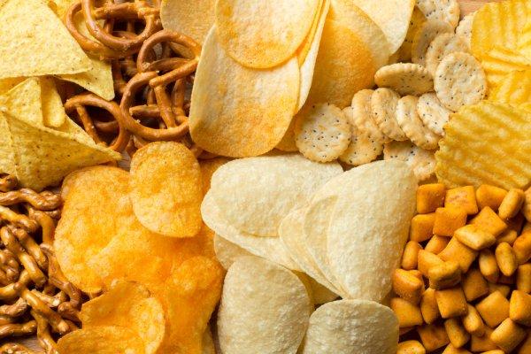 Tips Mulai Berjualan Makanan Ringan dan 10 Rekomendasi Jajanannya! (2021)