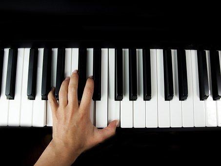 Produksi Musik Lebih Menyenangkan dengan 10 Rekomendasi Keyboard Casio Terbaik dari BP-Guide (2020)