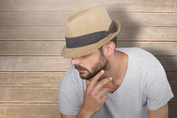 Tunjukkan Gaya Keren Kamu dengan 10 Topi Original Terbaru agar Penampilan  Tetap Up-to-date! a70037e0ec