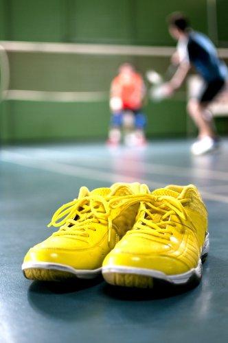 Buktikan Kualitas Sepatu LiNing untuk Olahraga Badminton Lewat 10 Seri Terbaiknya Ini!