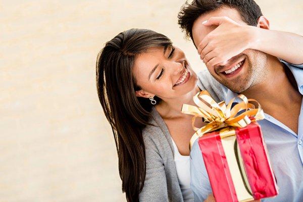 पति के लिए नया साल उपहार- जीवन के हर पल को विशेष उपहारों के साथ और अधिक विशेष बनाएं : यहां 10 सर्वोत्तम ,रोमांचक और नए उपहार विचारों की सूचि है,जो विशेष क्षण के लिए पूर्णता जोड़ते हैं,अभी देखें।(2020)