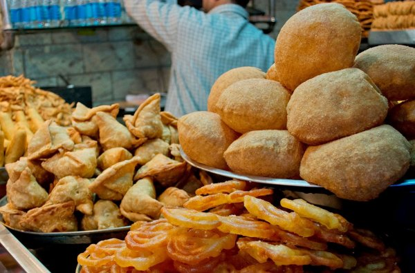 Set Your Taste Buds Tingling with a Visit to Bangalore's Food Street: Our Guide to the Ultimate Street Food Destination(2020)
