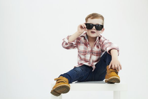 Jadikan Bayi Laki-Laki Makin Keren dan Fashionable dengan 10 Rekomendasi Pakaian Keren 2020
