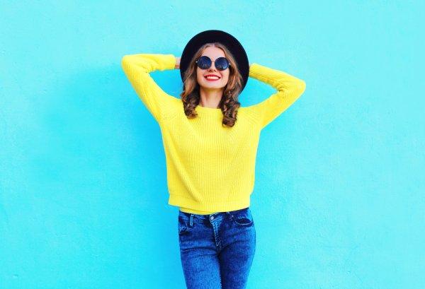 Pakai Sweater Kuning, Siapa Takut! 7 Rekomendasi Sweater Kuning Ini Bisa Menjadi Pilihanmu