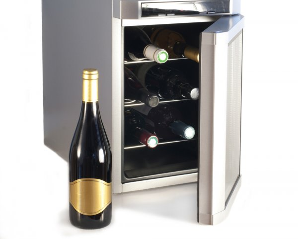 Your Home Bar is Incomplete without a Wine Chiller. Check out the Best Wine Chillers for Your Home and Become a True Connoisseur of Wines (2021)