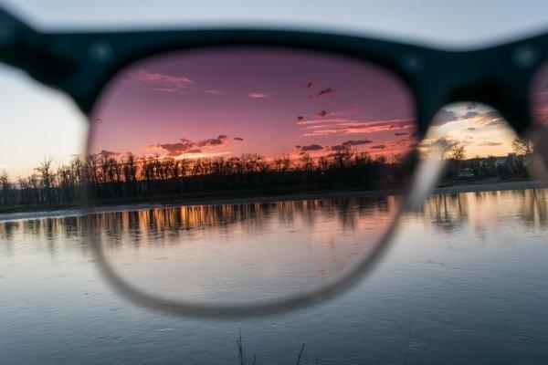 12 Kacamata Polarized Populer agar Anda Semakin Nyaman Beraktivitas