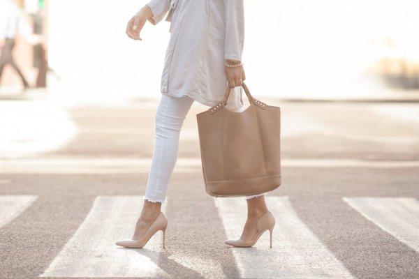 10 Pilihan Celana Longgar, Stylish, dan Modis buat Para Hijaber