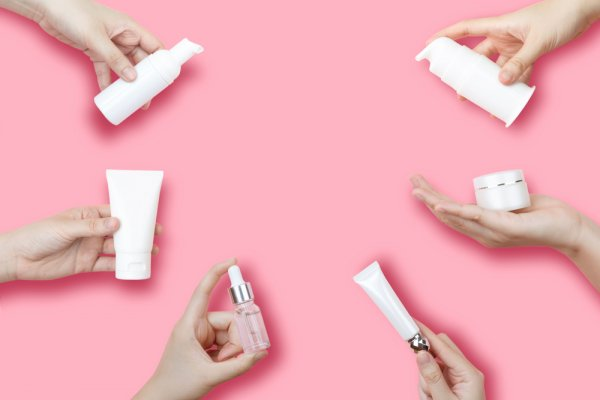 10 Rekomendasi Skincare Viva agar Kulit Sehat Tanpa Keluar Biaya Mahal (2021)