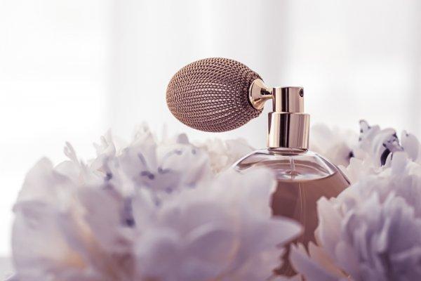 Lagi Cari Parfum Kekinian? Yuk, Coba 10 Rekomendasi Parfum Miniso dengan Keharuman Eksklusif (2020)