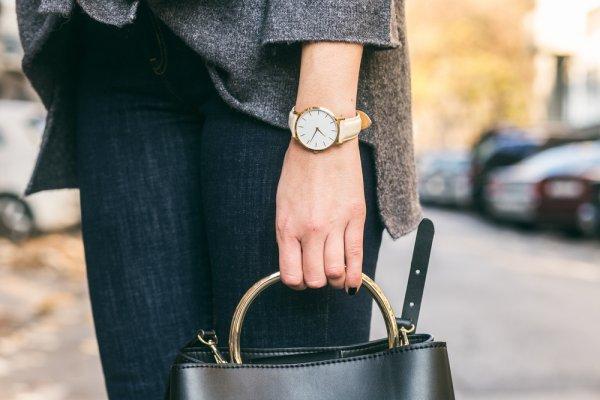 9 Rekomendasi Jam Tangan Wanita Alba yang Keren untuk Kamu Kenakan Setiap Hari dan Sudah Teruji Kualitasnya