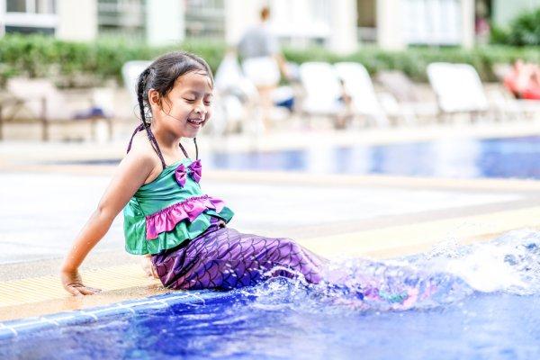 Buat Si Kecil Gemar Belajar Berenang dengan 8 Rekomendasi Baju Duyung Anak yang Cantik dan Imut Ini!