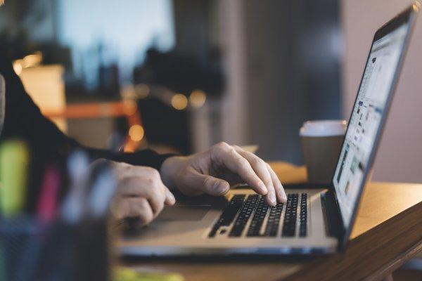 Tips Memilih Laptop Berkualitas dan Perlengkapan Laptop