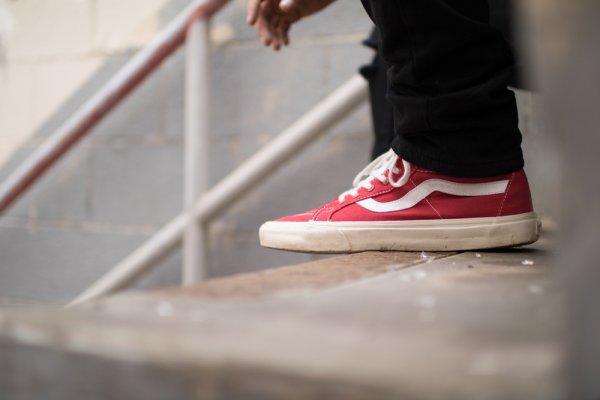9 Rekomendasi Sepatu Vans agar Penampilanmu Selalu Keren di Setiap  Kesempatan 98f17788c1