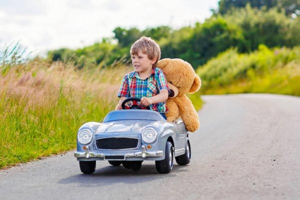 Yuk, Ajak Anak Bermain dengan 10 Rekomendasi Mainan yang Bisa Dinaiki (2021)
