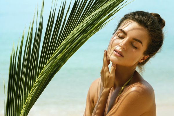 Arm Yourself Against Summer Skin Problems with 10 Best Face Creams for Summer 2021! Our Tips to Help Fight the Heat Should Cool You Down Too!