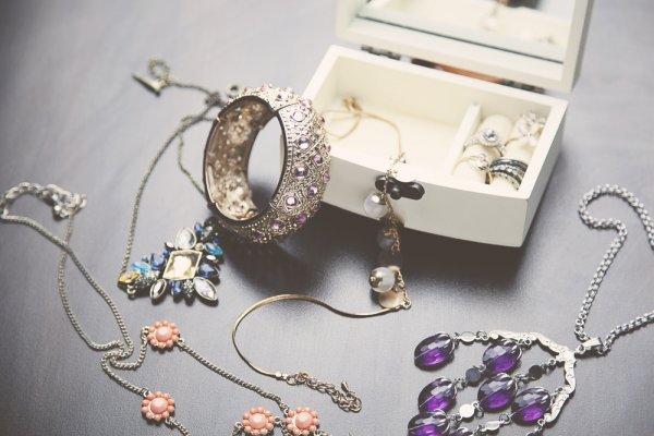 Inilah 7 Merek Perhiasan Asal Korea yang Perlu Kamu Ketahui