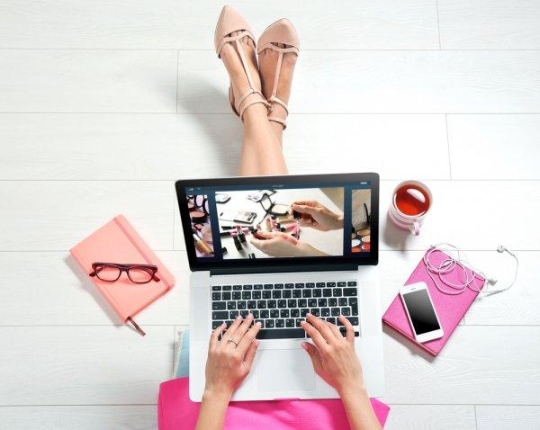 Cantik dan Chic, Gaya Berbusana Ala Blogger Ini Bisa Kamu Jadikan Inspirasi OOTD-mu
