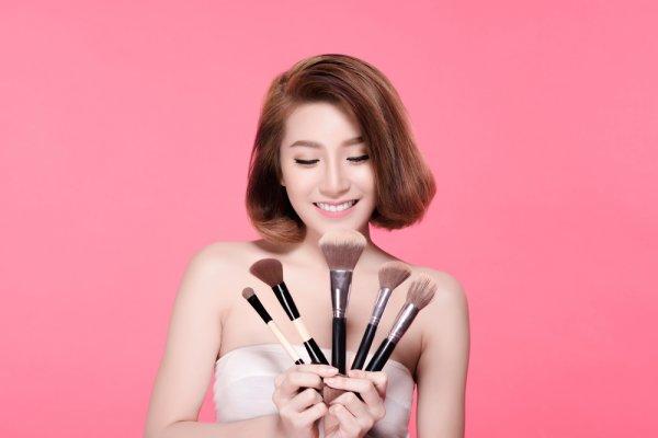 9 Gadget Kecantikan Untuk Perawatan Kulit Wanita