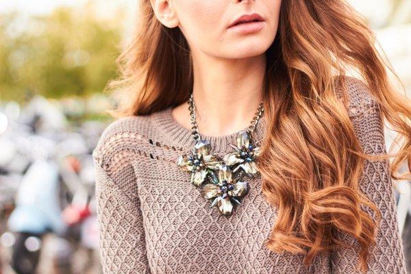 Ragam Kalung Wanita Yang Melegenda Dan 9 Model Yang Akan Membuatmu Tampil Beda