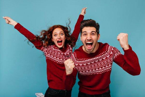 Ingin Tampil Serasi dengan Pasangan? 7 Rekomendasi Sweater Couple Ini Bisa Jadi Pilihan Menarik (2019)