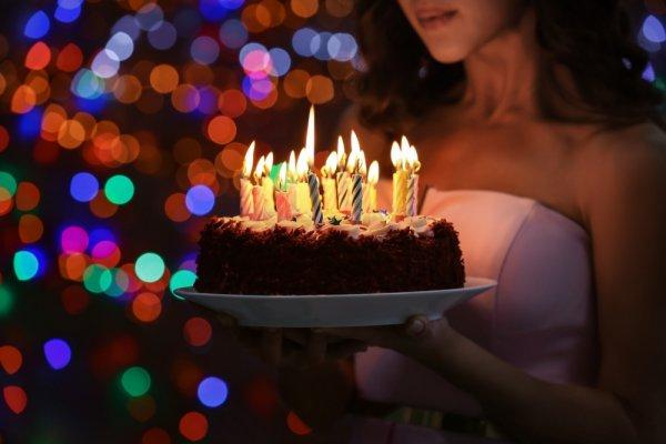 Ini Dia 7 Jenis Kue Ulang Tahun Sederhana yang Bisa Dibuat Sendiri di Rumah! (2018)
