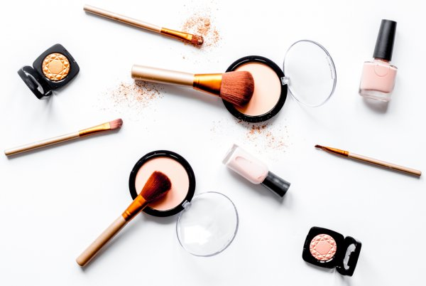 Populer Di Indonesia, Inilah 11 Rekomendasi Produk Makeup Maybelline Terfavorit (2018)