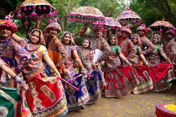 Organise a Perfect Navratri Gathering and Treat Your Guests
