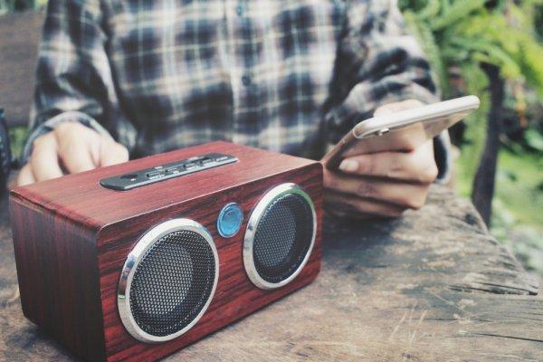 Asyik Mendengarkan Musik dengan Speaker Bluetooth Keren, Yuk Lihat 10+ Rekomendasinya!
