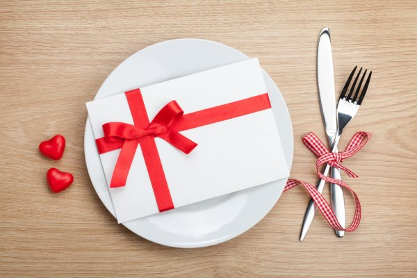 14 Tasty Goodies, Appliances and Kitchen Accessories That are Great as Wedding Gifts for Food Lovers in India (2019)