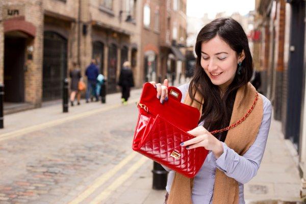 Yuk Intip 10 Dompet Model Terbaru untuk Wanita di Tahun Ini (2018)