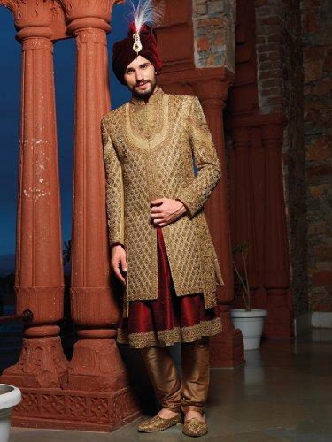 शादी या ख़ास अवसर पर रंग जमाना हो तो शेरवानी ही पहननी पड़ेगी! पुरुषों के लिए 10 नवीनतम शेरवानी डिजाइन देखें, साथ में स्टाइलिंग और फैशन टिप्स जिससे एकदम शानदार दिखोगे (2020)