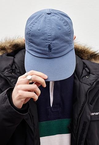8 Topi Polo Bergaya Kasual yang Bikin Kepalamu Tetap Adem Saat Cuaca Panas